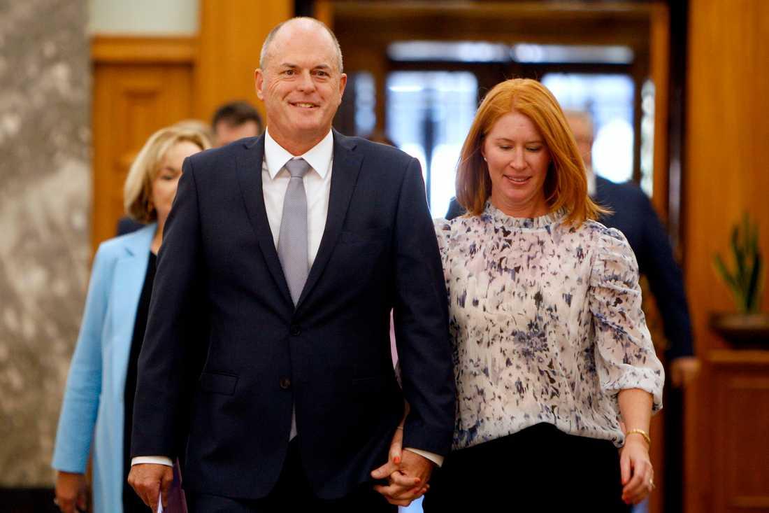 Todd Muller, här bredvid sin fru Michelle Muller, hoppar av posten som oppositionsledare i Nya Zeeland. Arkivbild.
