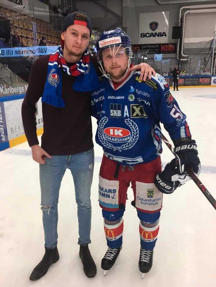 Andreas Hauge med en IKO-spelare.