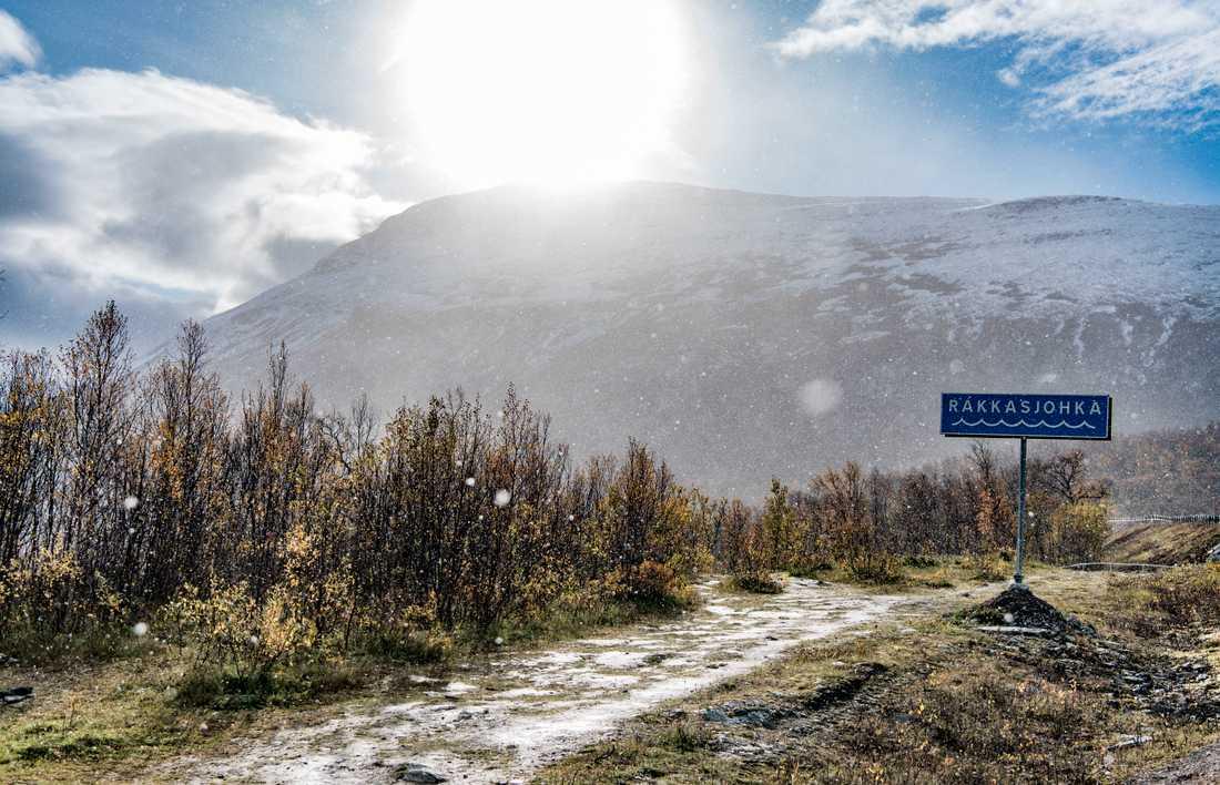"""""""Dina väderkunskaper räcker inte till längre. Det blir som ett lotteri,"""" säger Lars-Ànte Kuhmunen, ordförande för Kirunas sameby Gabna."""