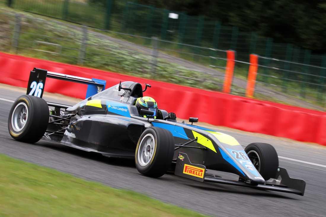 Linus Lundkvist kör Formel 3