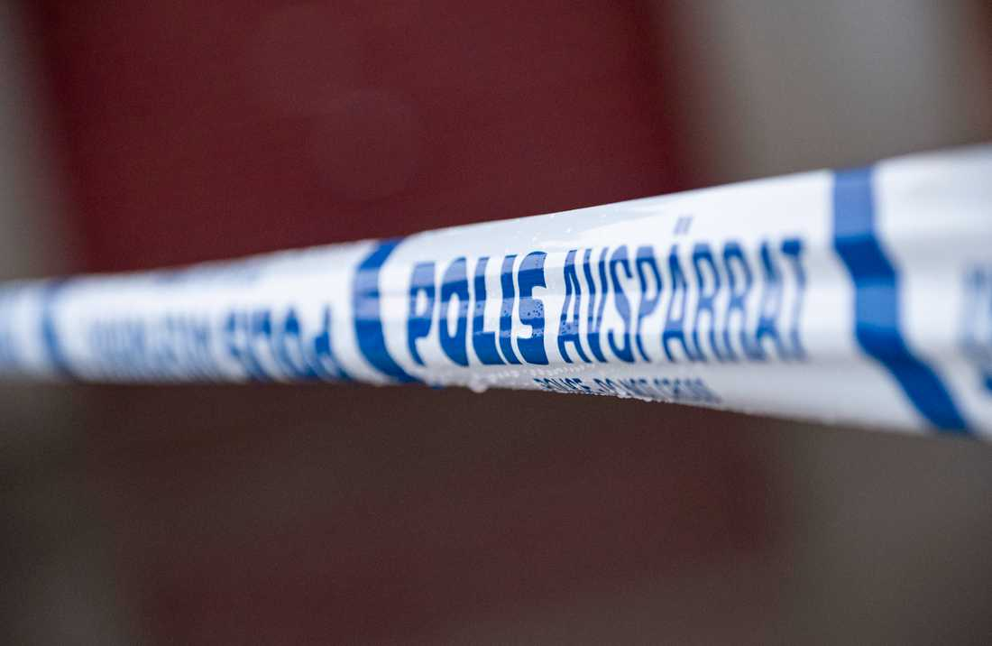 En kvinna har fått stickskador efter att ha överfallits av två män i Malmö. Arkivbild.