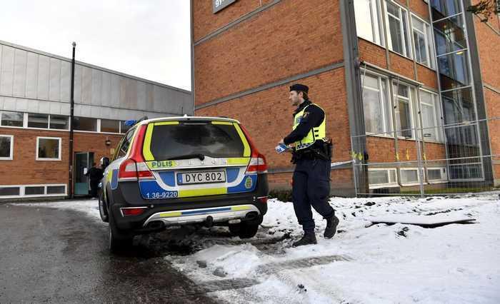 Den i dag 20-åriga mannen dömdes till rättpsykiatrisk vård 2018 efter att ha knivmördat en jämnårig elev på en skola i Enskede.