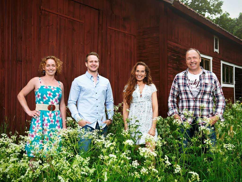 """Bönderna Jennifer Erlandsson, Erik Bäckman, Sigrid Bergåkra och Per Sundin söker kärleken i """"Bonde söker fru"""" 2016."""