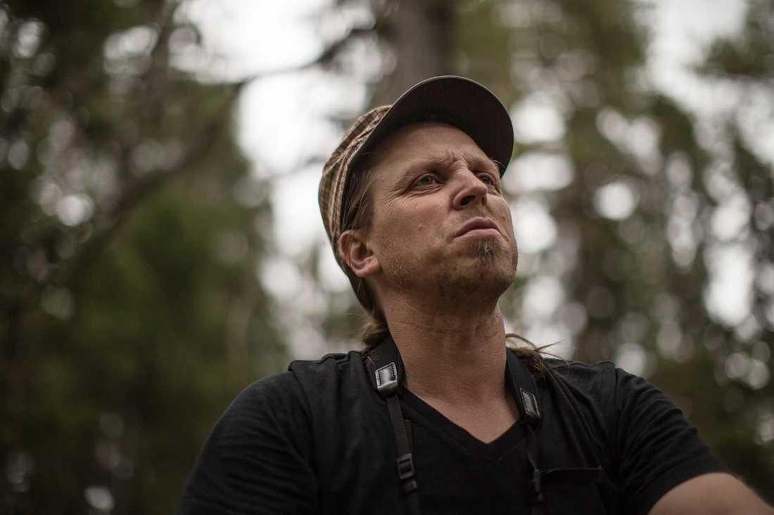 Idag finns åtta procent av den svenska naturskogen kvar. Bara fyra procent av den är skyddad genom naturreservat. Det oroar Sebastian Kirppu.