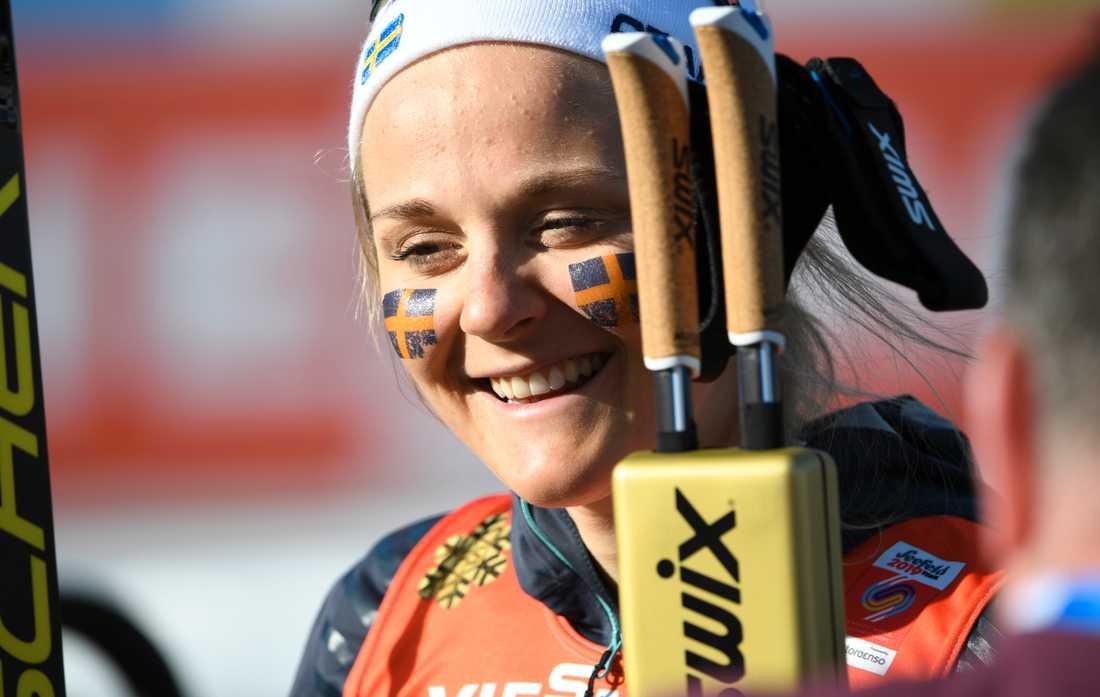 Stina Nilsson byter längdskidor mot skidskytte – ett tecken i tiden? Arkivbild.