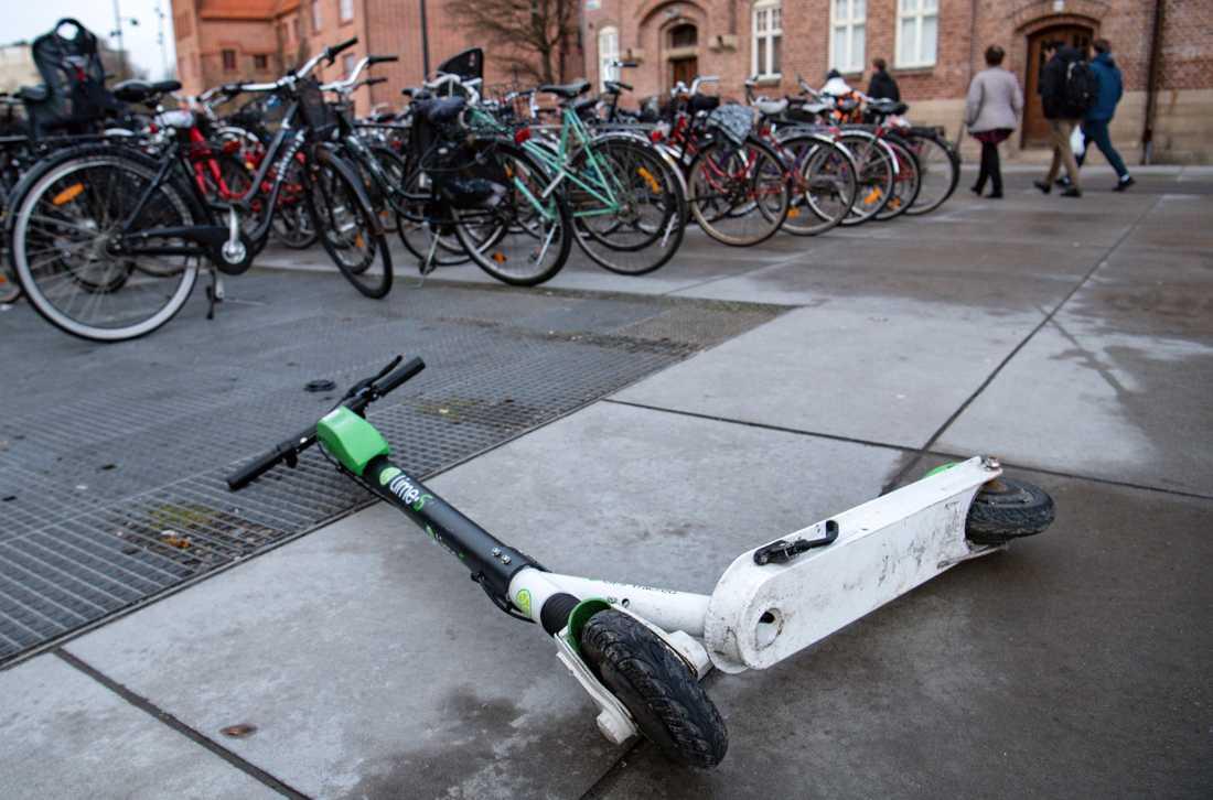 Snart kan Malmö stad ta ut en avgift av företagen som hyr ut elsparkcyklar.