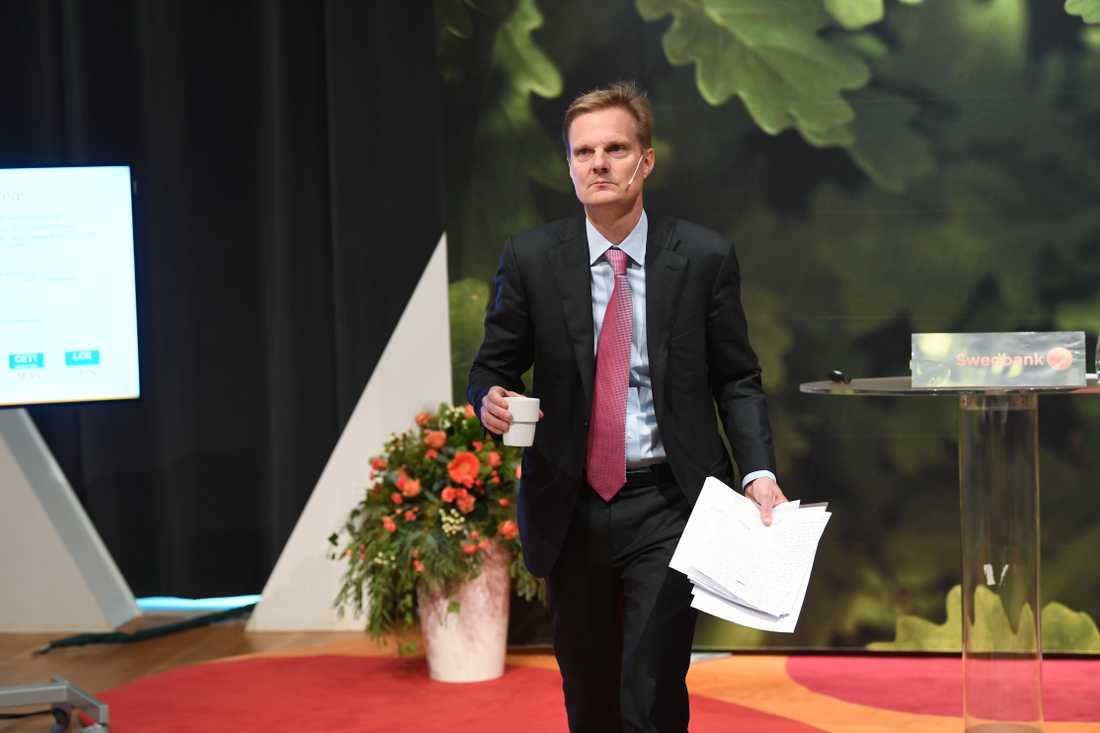 Swedbanks vd Jens Henriksson vid bankens delårsrapport i oktober.