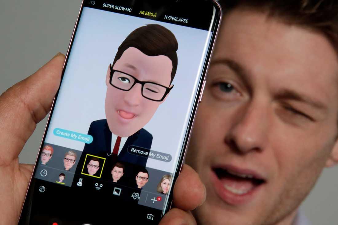 En av de nya funktionerna är animojis, som kan få användarens ansikte att bli en tecknad figur.
