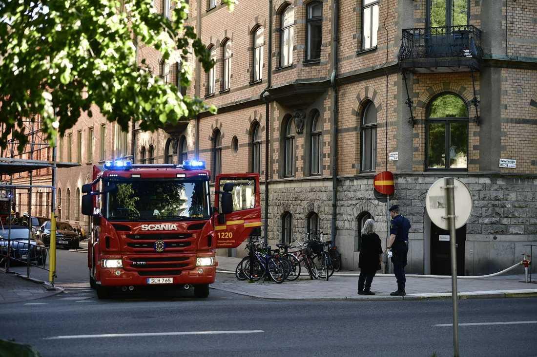 Polis och räddningstjänst var på plats på eftermiddagen.