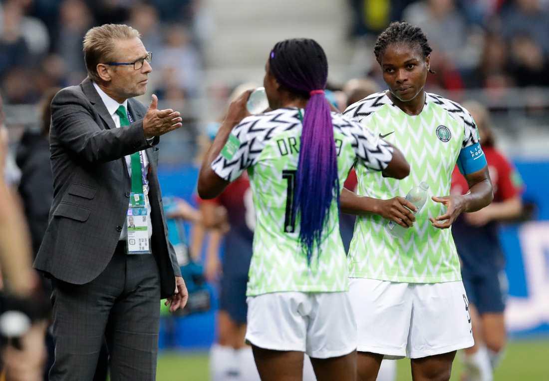 Dennerby är förbundskapten för Nigeria.