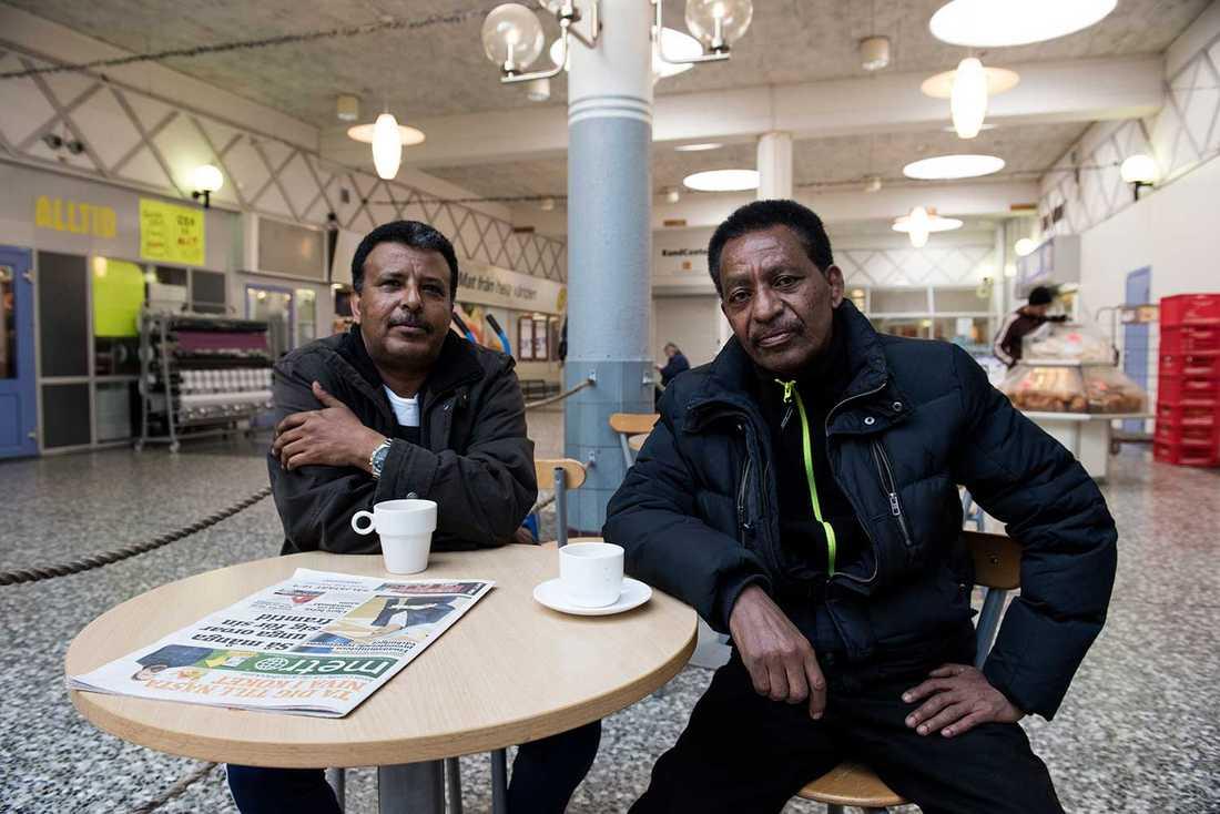 Danile Zehaye, 55, har varit arbetslös en månad, efter att ha jobbat som lokalvårdare i 24 år. Rezene Tecle, 58, jobbade som lokalvårdare i tio år, men är arbetslös sedan tre år tillbaka.