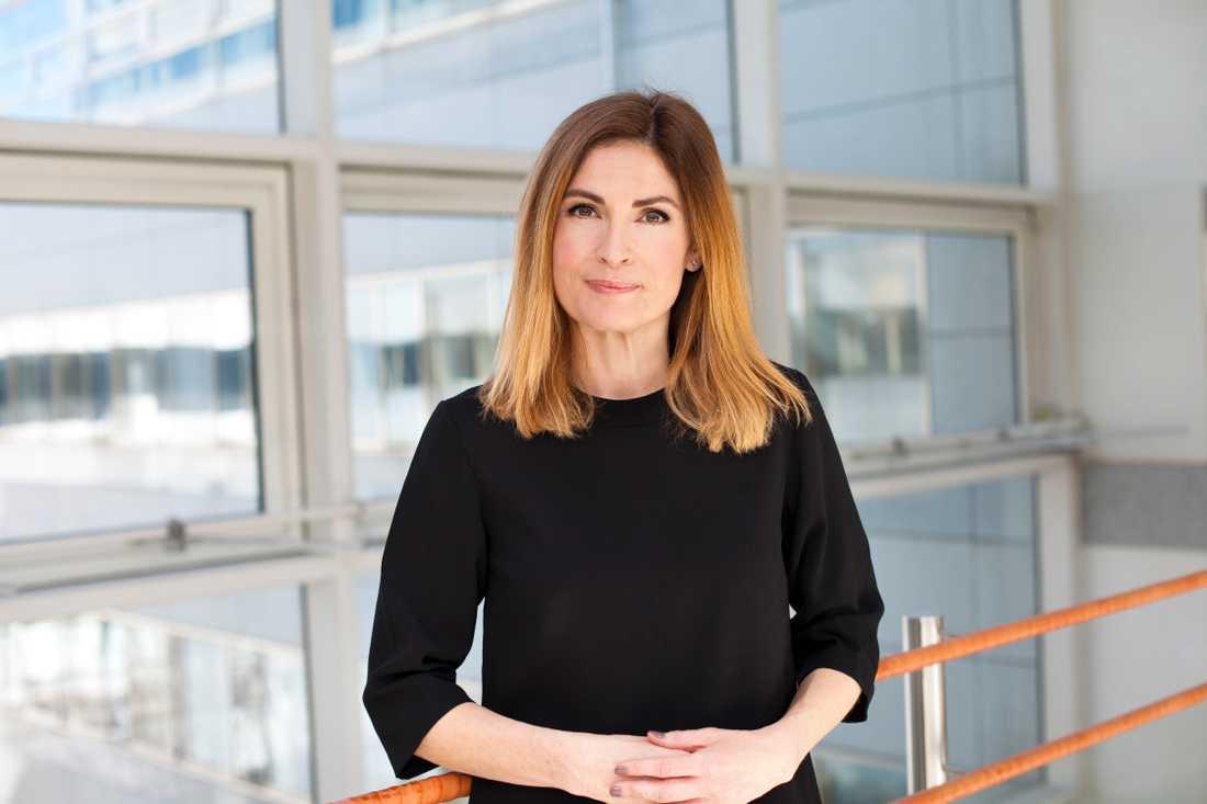 """Länsförsäkringas sparekonom Emma Persson: """"Gå inte på magkänslan""""."""