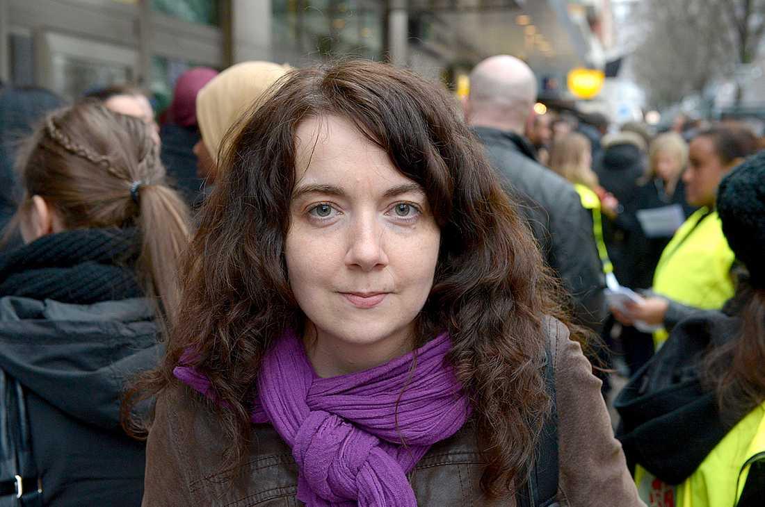 """""""Jag är inte själv socialdemokrat, men jag har träffat Omar Mustafa och jag vet att alla de här anklagelserna mot honom är helt felaktiga. Så jag har varit väldigt upprörd"""", säger Magdalena Frey."""