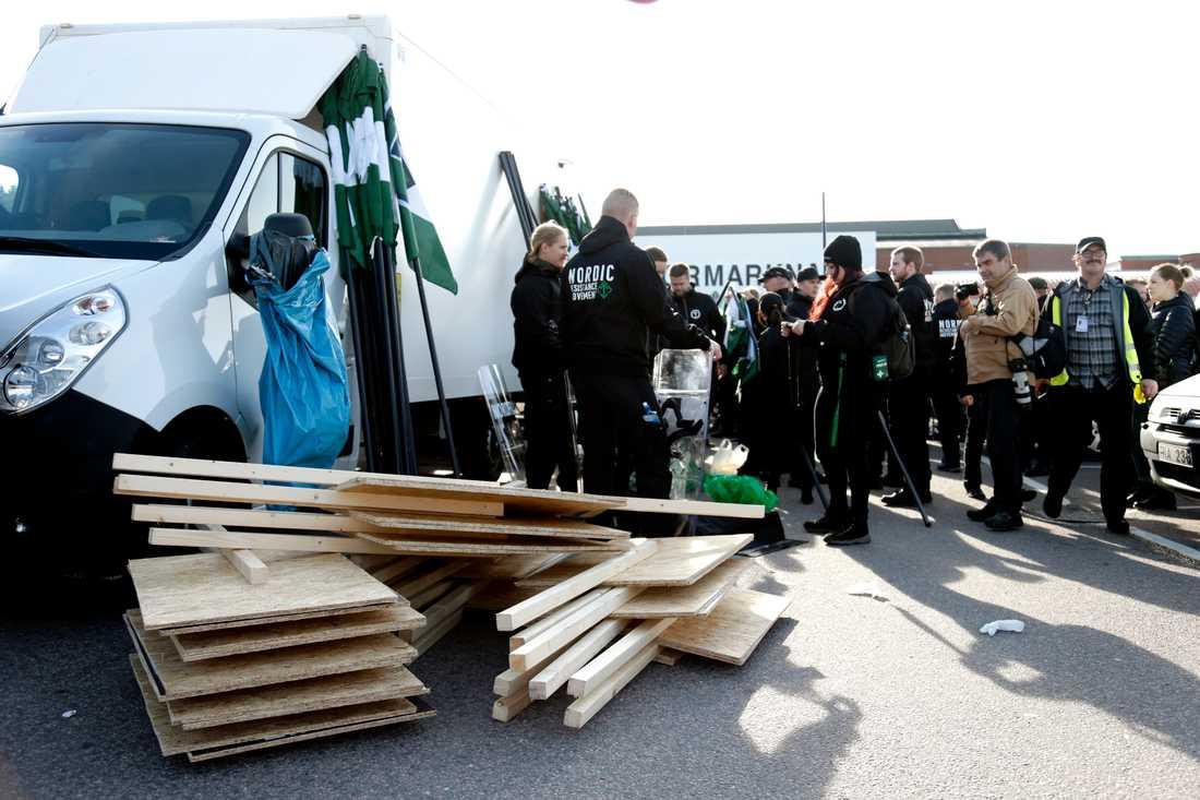 Nordiska motståndsrörelsen (NMR)  i centrala Göteborg på lördagen.