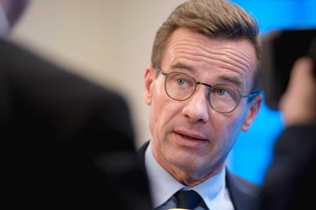 Moderaternas partiledare Ulf Kristersson har satt sig själv i karantän sedan en av hans medarbetare testats positivt för covid-19. Arkivbild.
