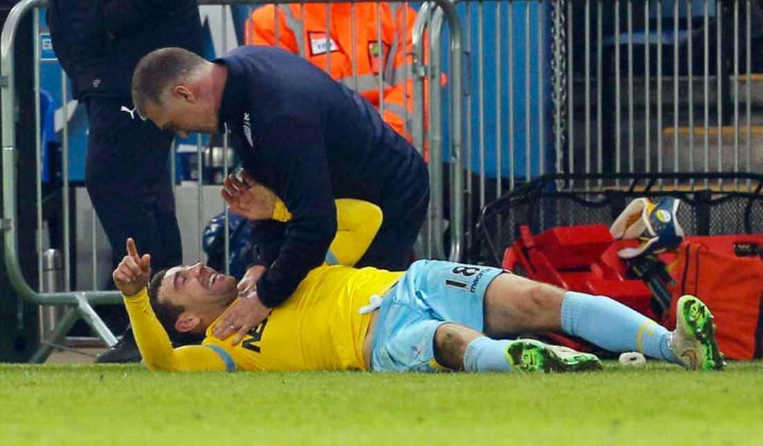 Nigel Pearson skojade med James McCarthur när Leicester mötte Crystal Palace på lördagen.