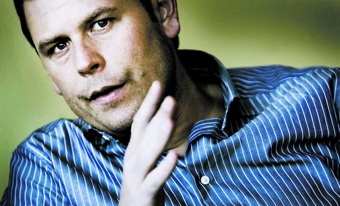 ÅNGERFULL AIK:s nye tränare var en mobbare i skolan, enligt kändisbloggaren Alex Schulman.