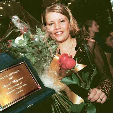 Årets svensk 1997  Jag fick ta emot priset som  Årets svensk  på nyårsafton i Konserthuset i Stockholm. Det var väldigt kul eftersom svenska folket röstade fram mig.