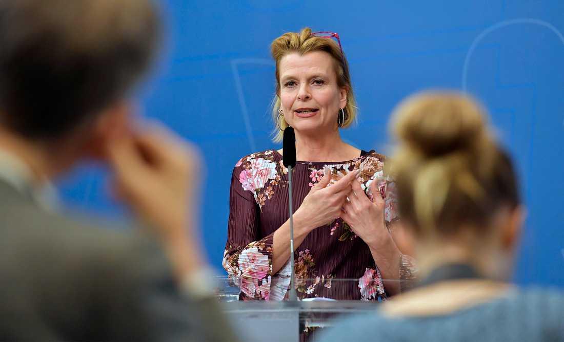 Barn- och äldreminister Åsa Regnér presenterar ett åtgärdspaket för personlig assistans inom LSS.