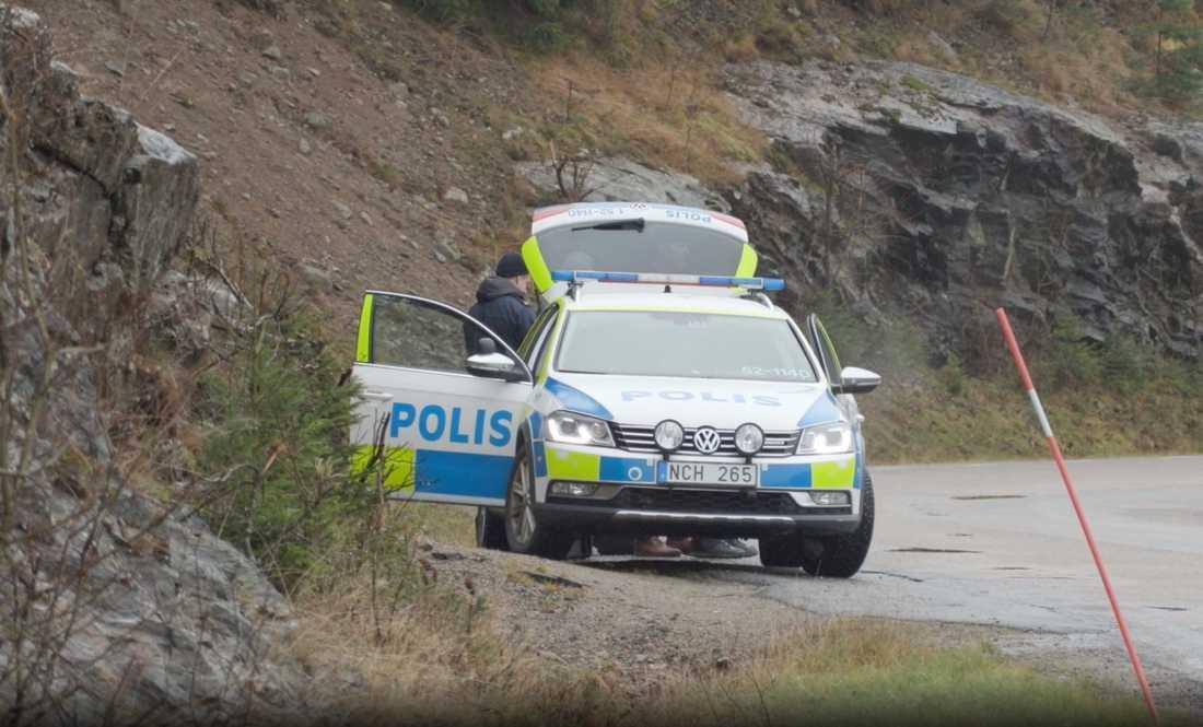 17-åriga Wilma Andersson har varit försvunnen i en vecka.Under torsdagen har polisen fortsatt söka kring Uddevalla med drönare.