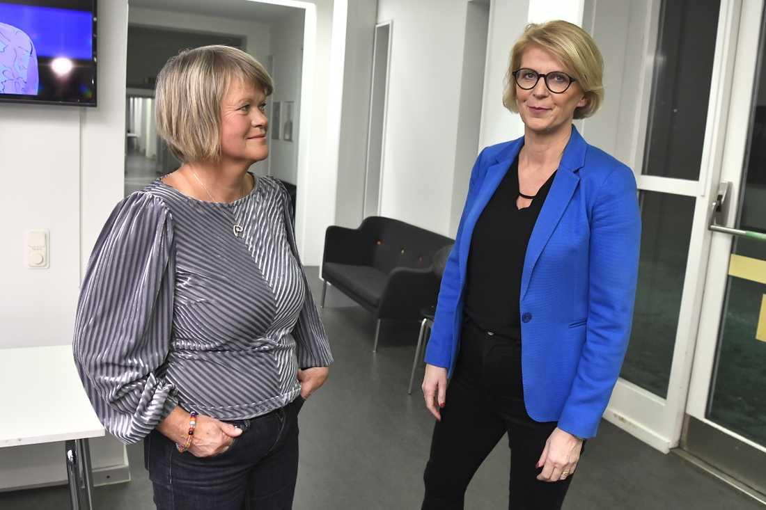 Vänsterpartiets ekonomisk-politiska talesperson Ulla Andersson och hennes kollega hos Moderaterna, Elisabeth Svantesson, står bakom oppositionsförslaget om fler miljarder till kommunerna än vad regeringen flaggar för. Arkivbild.
