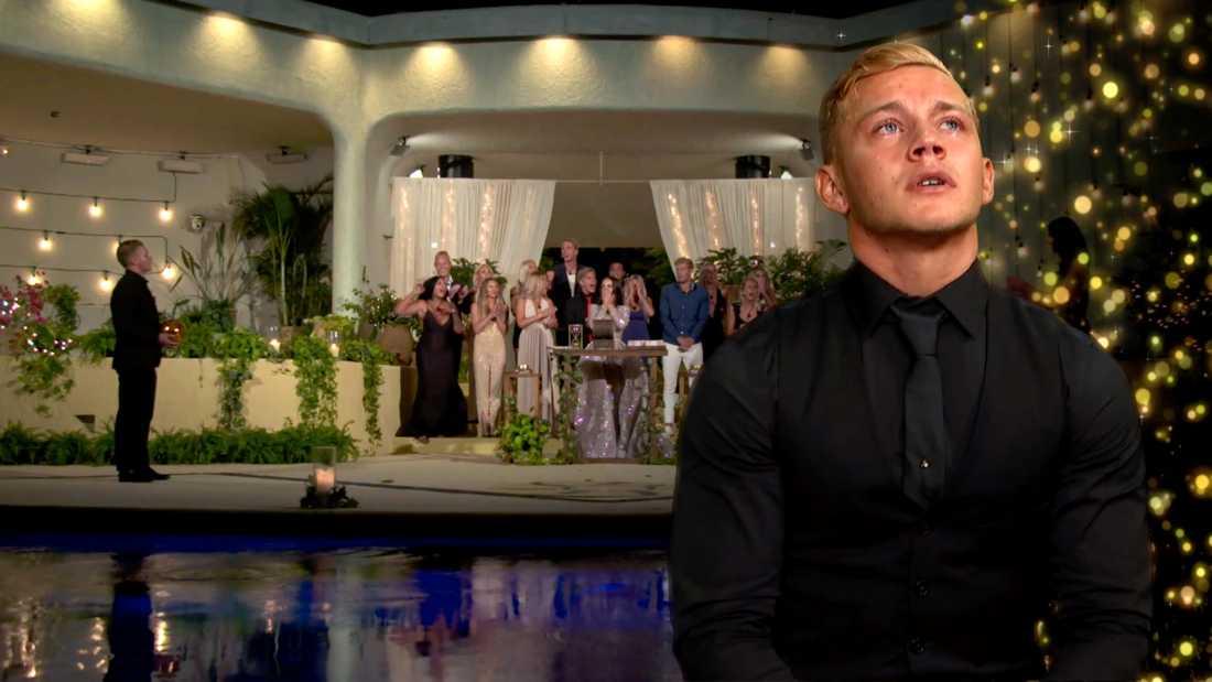 Jesper Bengtsson kan inte hålla tillbaka tårarna efter förlusten