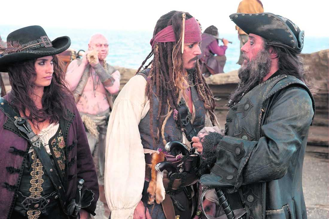 "Penélope Cruz, Johnny Depp och Ian McShane i ""Pirates of the Caribbean: On stranger tides"", den fjärde filmen i den populära serien."