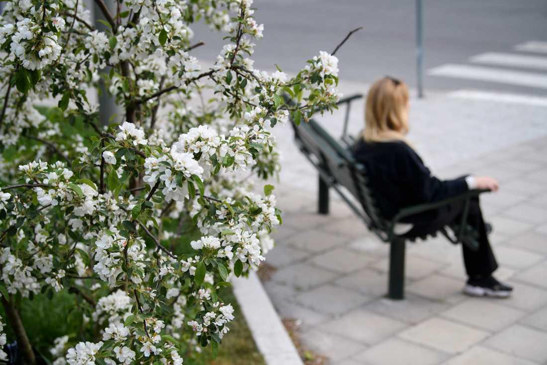 För Susanna Lindqvist som haft feber i nio veckor skulle ett test betyda mycket. Hon säger att det skulle förändra hennes situation mentalt att få veta om hon har covid-19 eller inte.