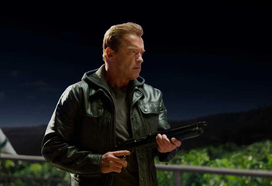 "Arnold Schwarzenegger tillbaka som actionhjälte i nya ""Terminator: Genisys""."