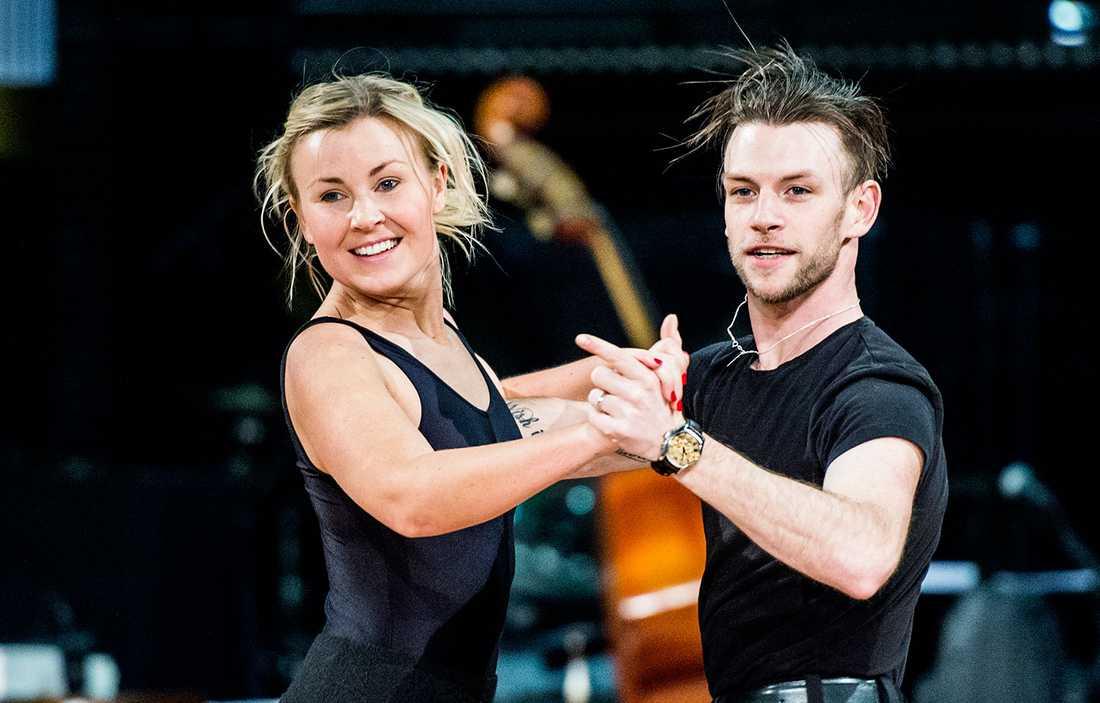 "Elisa Lindström och Yvo Eussen i ""Let's dance"""