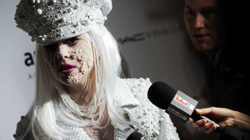 Lady Gagas kändisskap håller henne sömnlös.