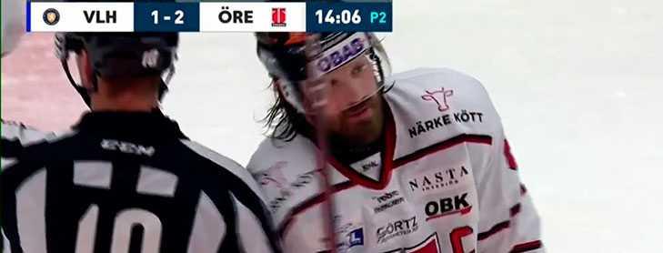 Stefan Warg kör på domaren.