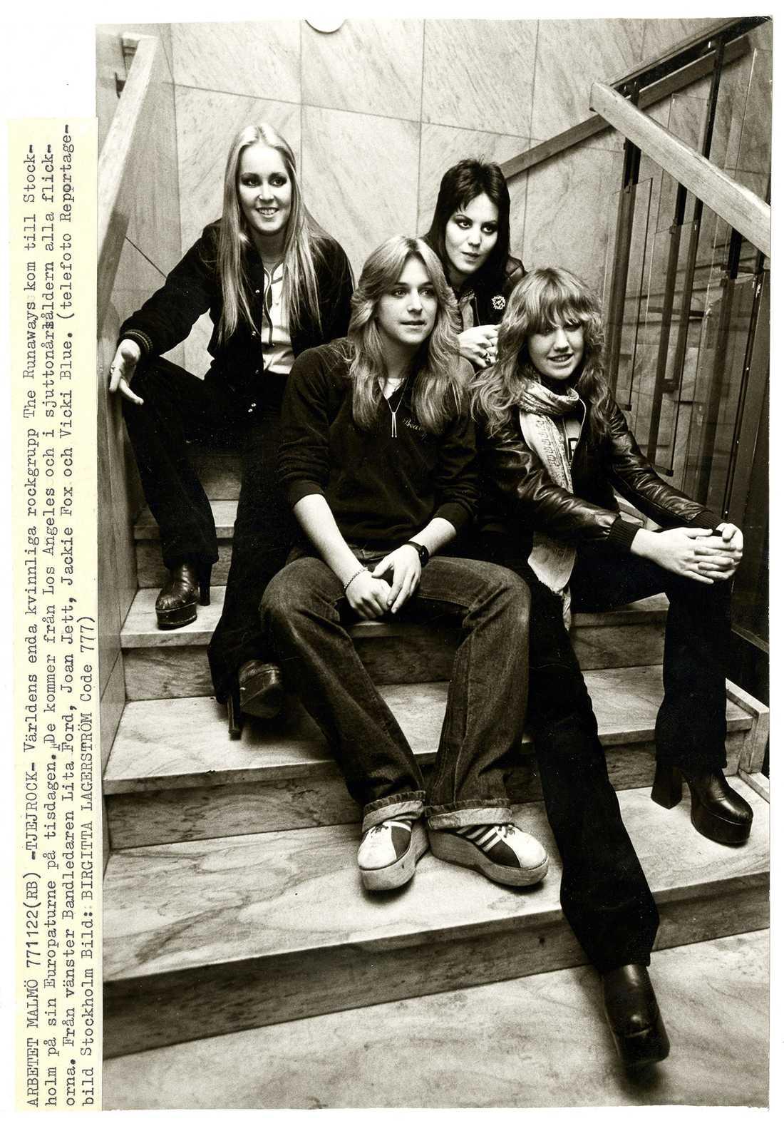 The Runaways i Stockholm. Från vänster Lita Ford, Sandy West, Joan Jett, Vicki Blue.