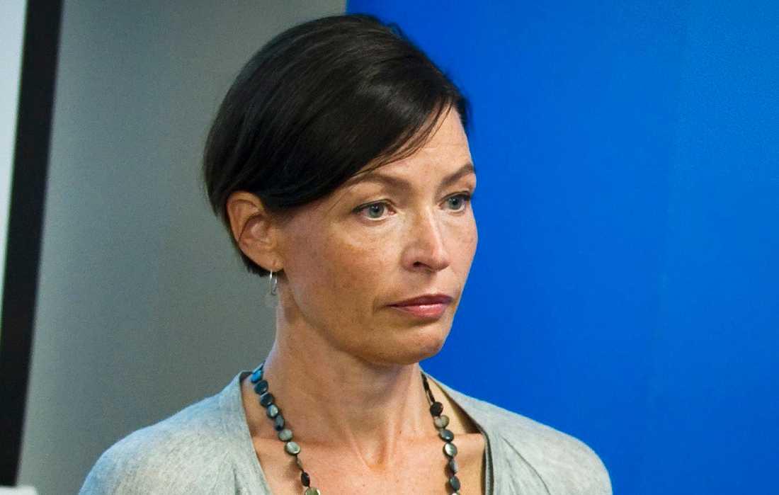 Anna Norlén, psykolog och psykoterapeut, vill se tydligare riktlinjer för vad som händer med barnen.