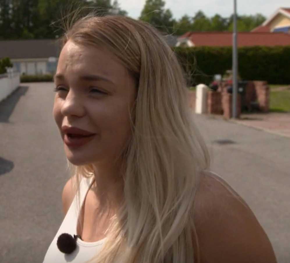 Jonna Lundell är inte helt nöjd med bilköpet