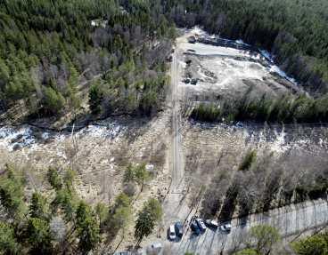 dumpades De mördade hittades strax sydöst om Brandbergen söder om Stockholm.