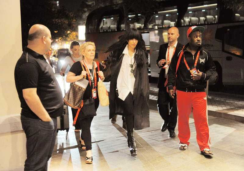Loreen och hennes sällskap anlände till hotellet i natt efter genrepet.