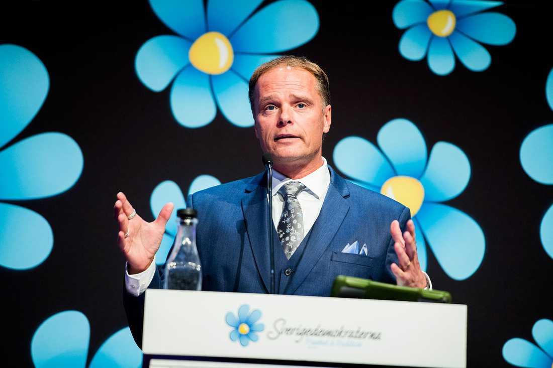 Ex-ledamoten Stefan Jakobsson (SD) åtalades  - efter Aftonbladets granskning.