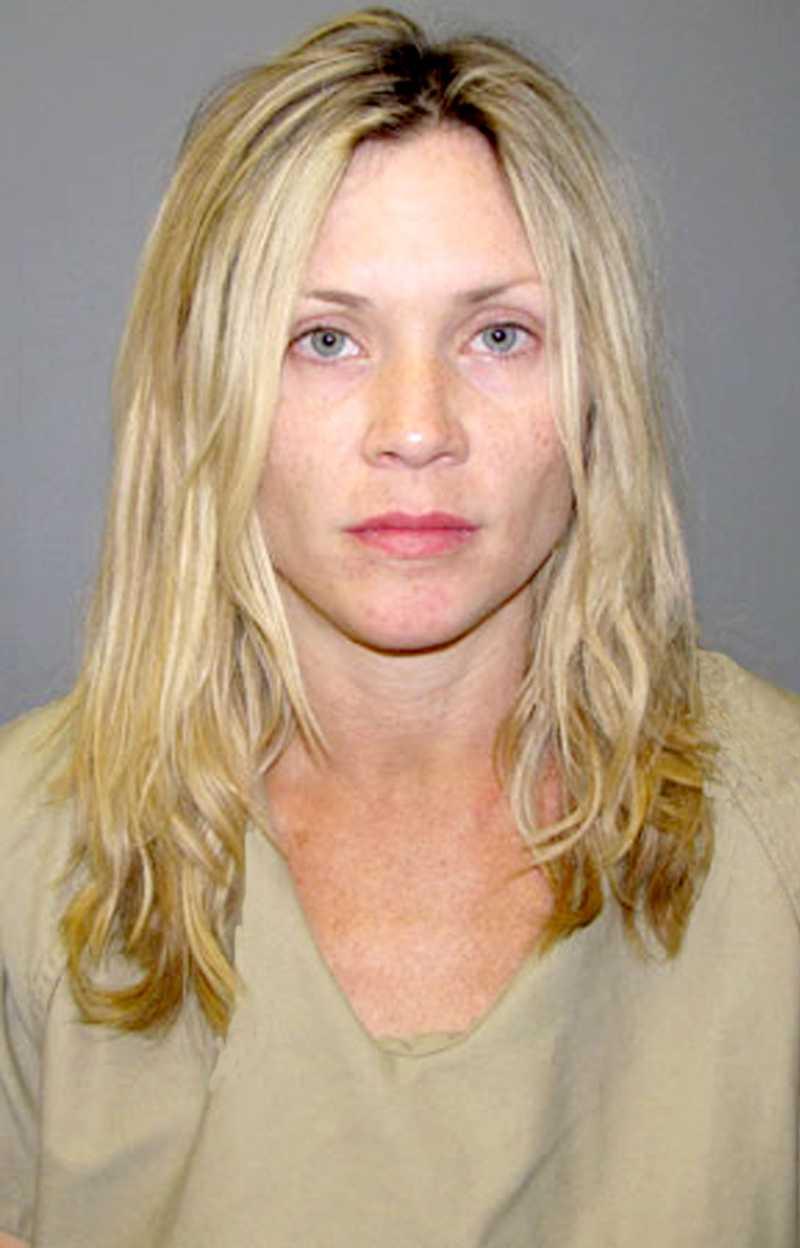 """""""Melrose Place""""-stjärnan Amy Locane greps 2010 misstänkt för dråp. Hon var inblandad i en bilolycka där en person avled. Under 2011 planeras rättegången."""