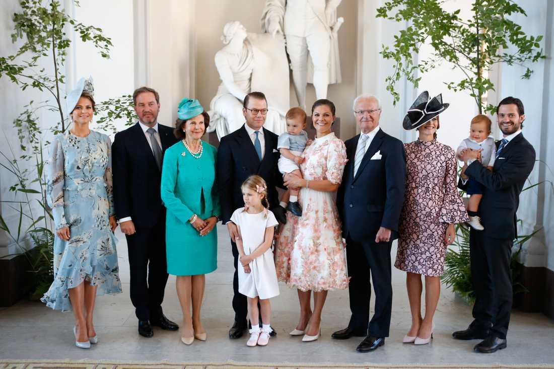 Prins Carl Philip och prinsessan Sofia har testats positiva för corona.