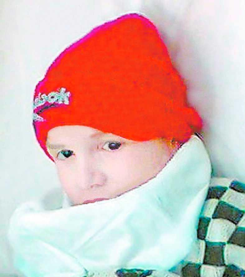 Den mystiske varulvspojken har skapat stor uppståndelse i Ryssland. Hans identitet är okänd.