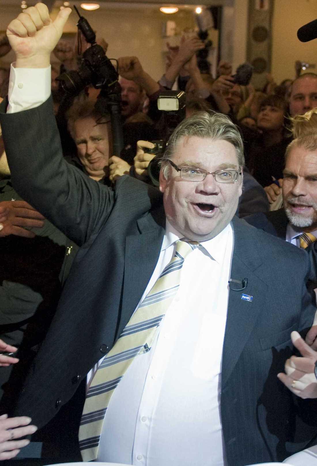 Överraskade Tomi Soini, Sannfinländarnas partiledare, jublade efter att partiet skrällt rejält i det finska valet i går. De gick från ett väljarstöd på 4 till 19 procent på fyra år.