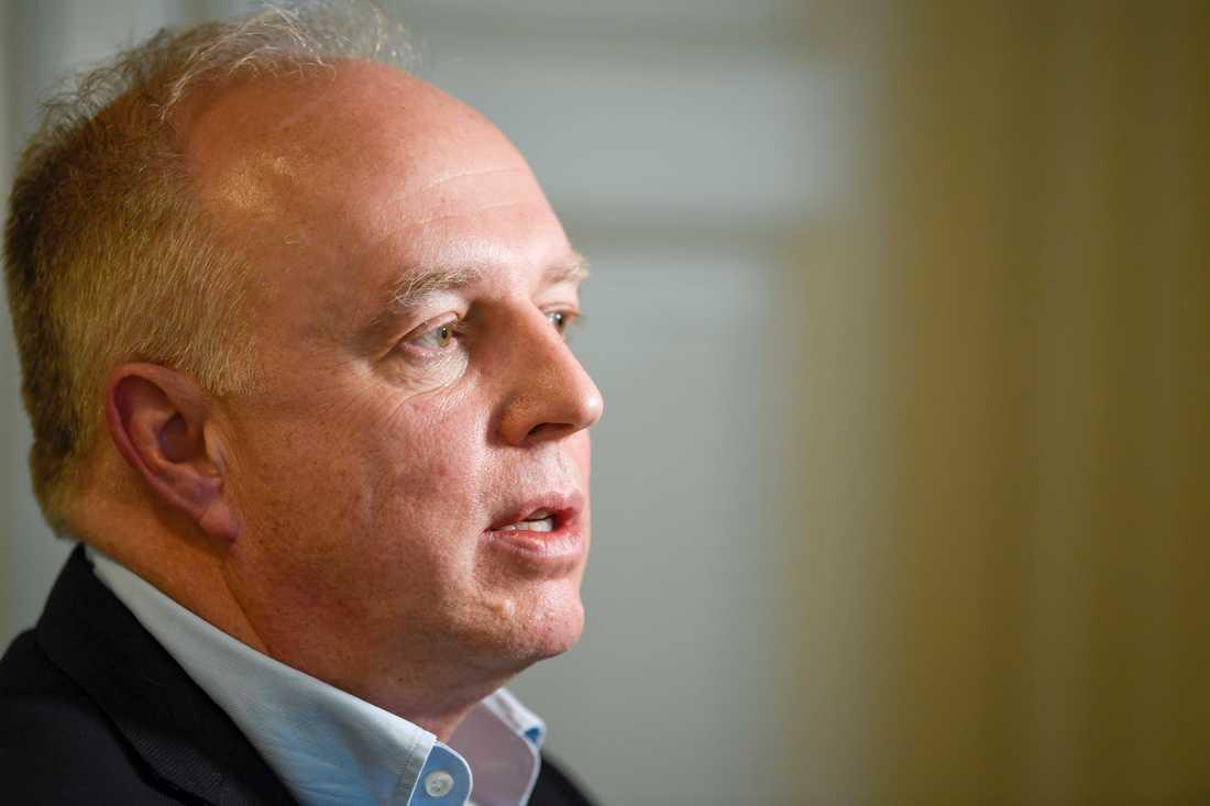 Mikael Köhler vid Region Uppsala ger beskedet att regionen inte kommer kunna hjälpa region Stockholm i nuläget. Arkivbild.