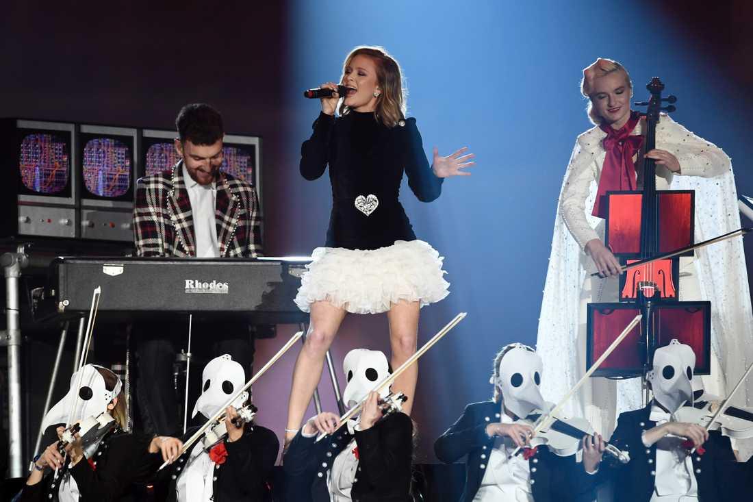 Zara Larsson på European Music Awards.