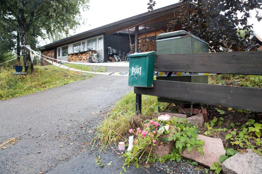 Bostaden i Bærum där Manshaus styvsyster hittades död i samband med en husrannsakan efter moskéattacken.