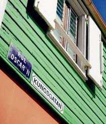 Kungsgatan är bara ett av många svenska gatunamn på Saint Barthélemy. Skyltarna har dock en benägenhet att försvinna.