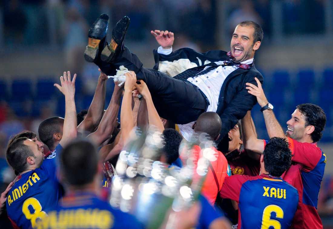 2008/2009 Hissas efter Champions League-guldet i Rom efter finalvinst mot Manchester United. Foto: AP