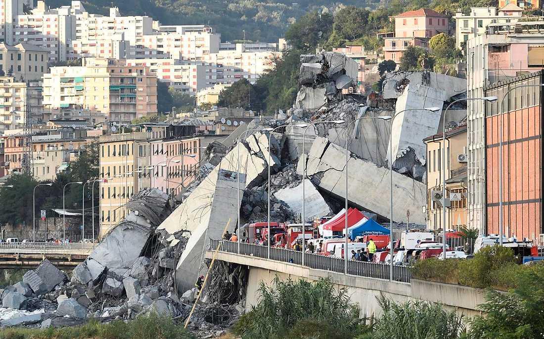 43 personer dödades när Morandibron i Genua rasade.