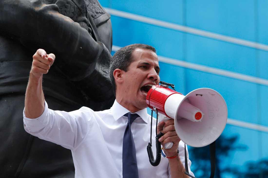 Venezuelas oppositionsledare Juan Guaidó under ett tal i fredags.