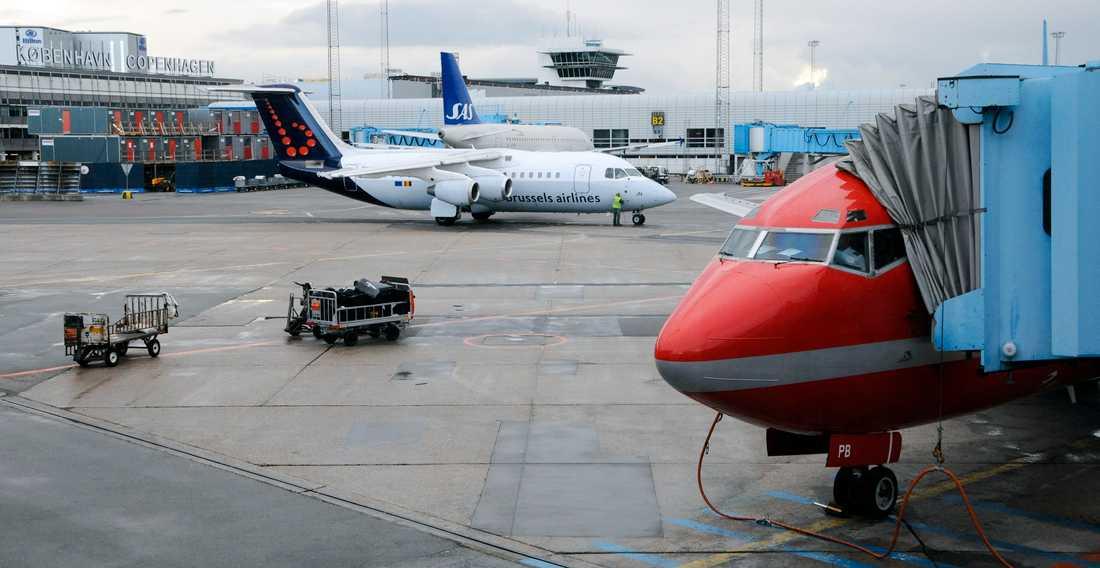 För att möjliggöra ytterligare tillväxt på Köpenhamns flygplats planeras nu för ytterligare två tågperronger och ett nytt parkeringshus med plats för 2000 bilar. Arkivbild.